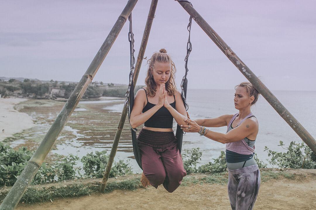 aerial yoga | yoga teacher training - bali _ 03