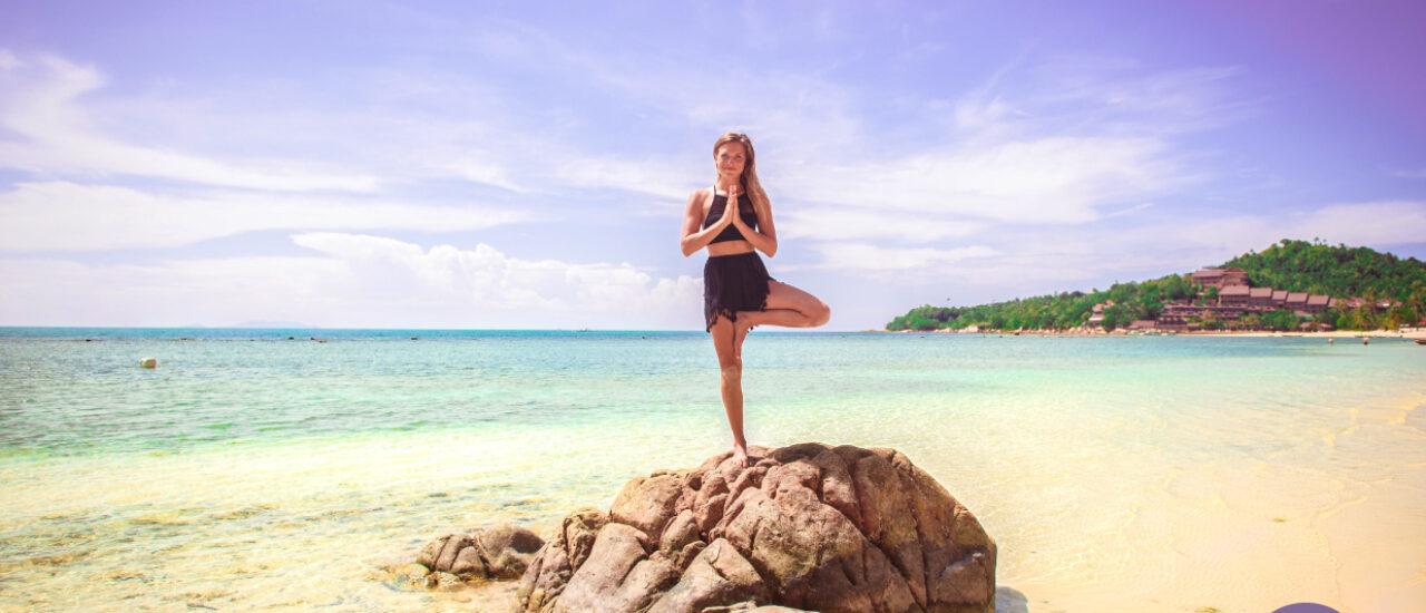 ulu yoga - beach yoga