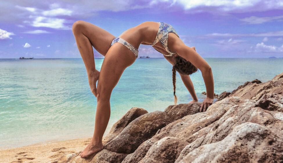 beach-yoga-wheel-sonia-scaled(vid)