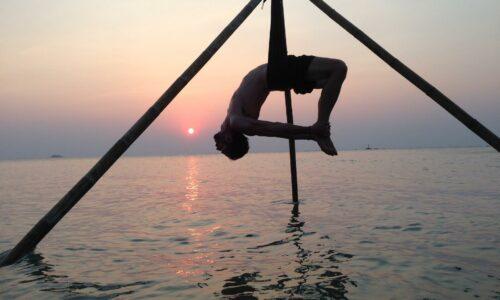ulu_yoga_image1-copy_